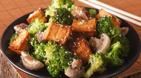 RECIPE: Tofu, Broccoli, and Mushroom Stir Fry