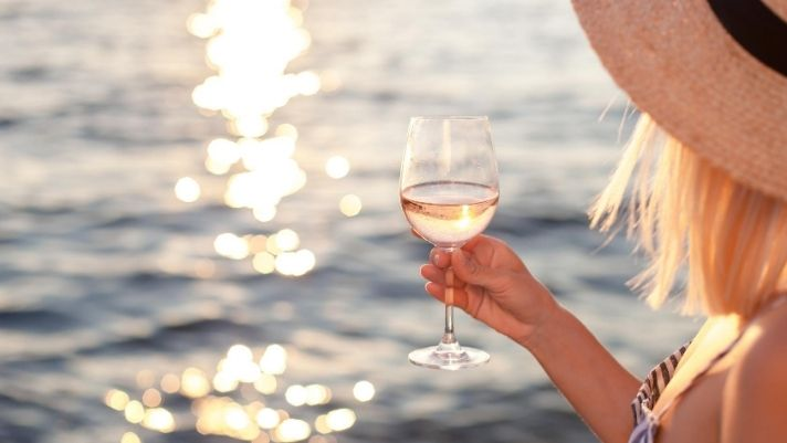 Best Coastal Towns for Wine Vacations