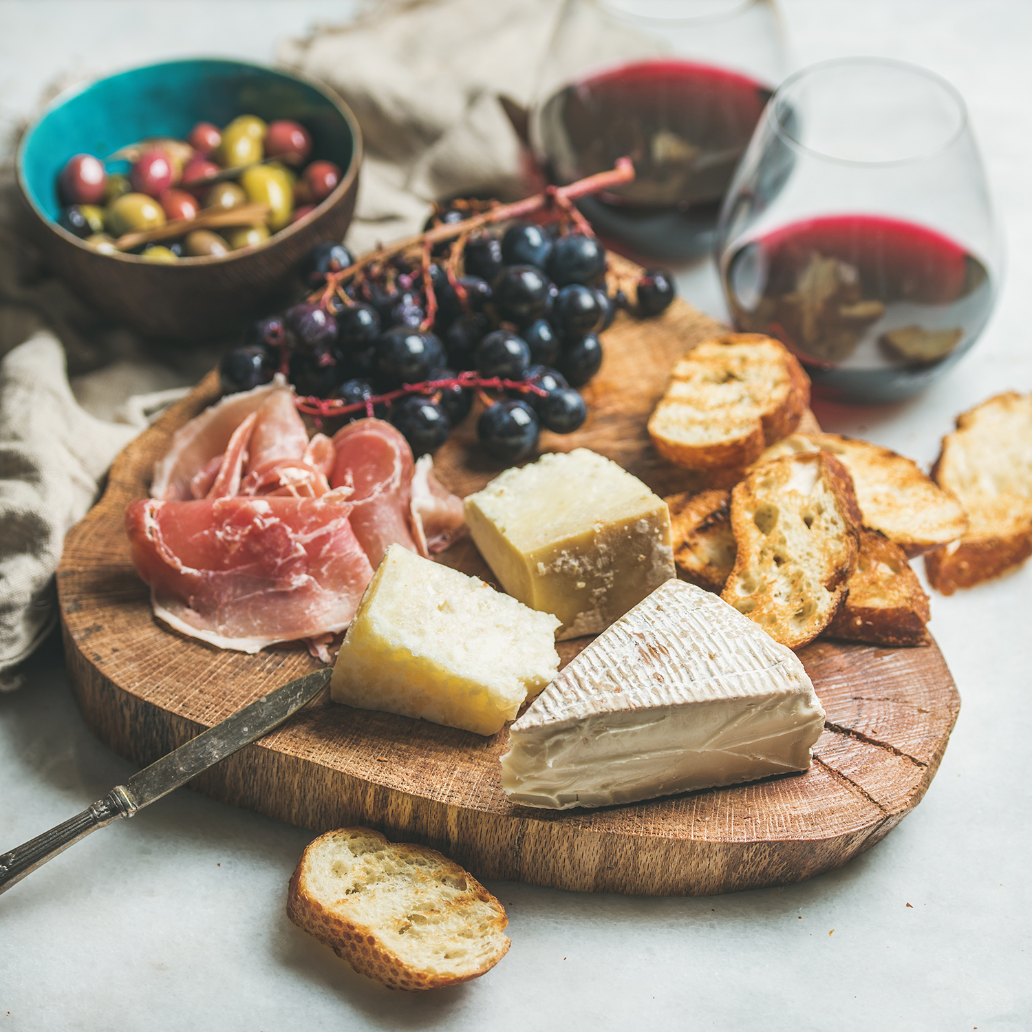 8 Must-Try Italian Cheeses and Their Wine Pairings